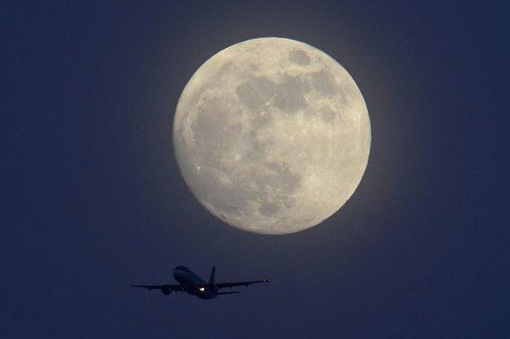 """""""Reuters""""/""""Scanpix"""" nuotr./Mėnulis"""