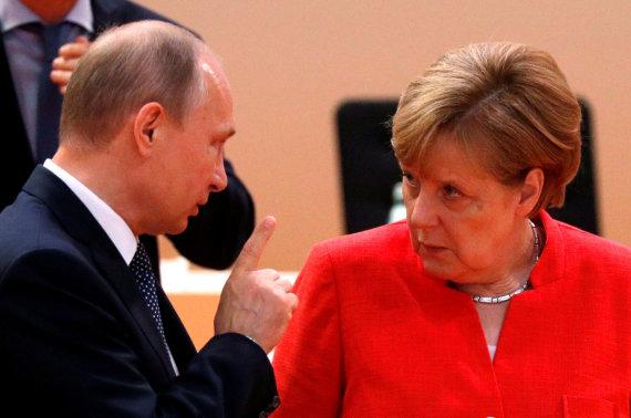 """""""Reuters""""/""""Scanpix"""" nuotr./Vladimiras Putinas ir Angela Merkel"""
