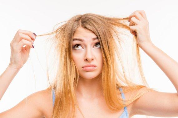 123RF.com nuotr./Moteris nepatenkinta savo plaukais