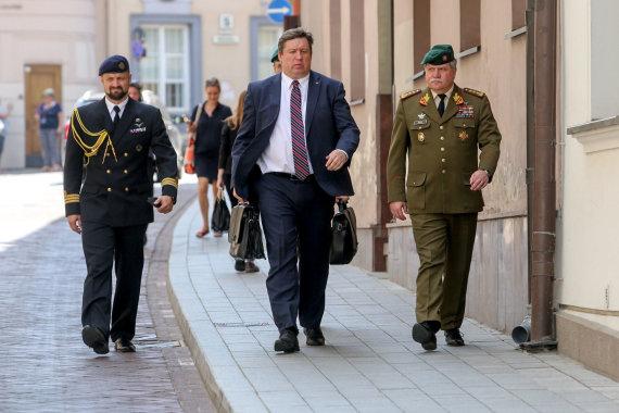Vidmanto Balkūno / 15min nuotr./Raimundas Karoblis ir Vytautas Žukas atvyko į Prezidentūrą