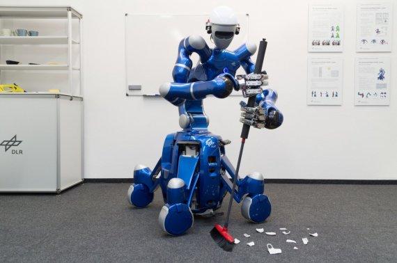 "DLR Insitute of Robotics and Mechanics nuotr./Robotas ""Justin"""