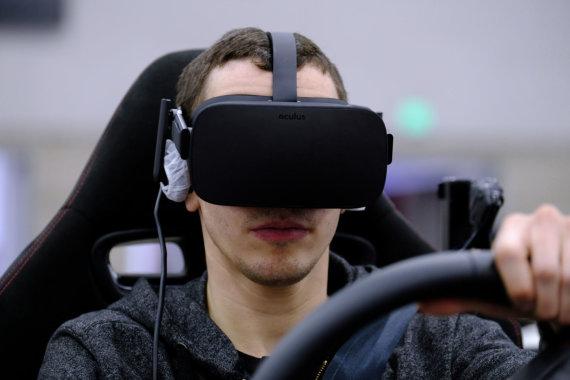 """""""Scanpix""""/""""Sipa USA"""" nuotr./Virtualios realybės akiniai """"Oculus Rift"""""""