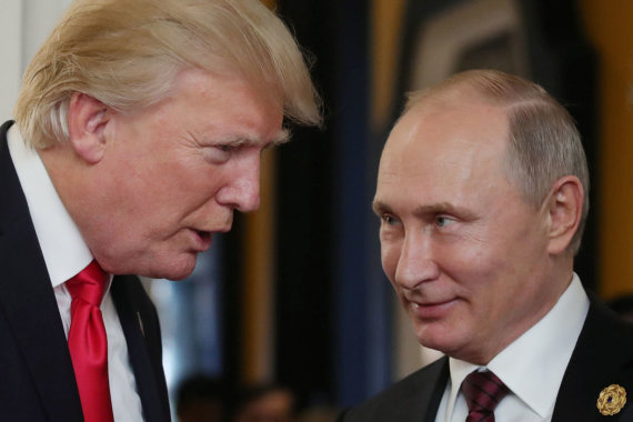 """AFP/""""Scanpix"""" nuotr./Donaldas Trumpas ir Vladimiras Putinas"""