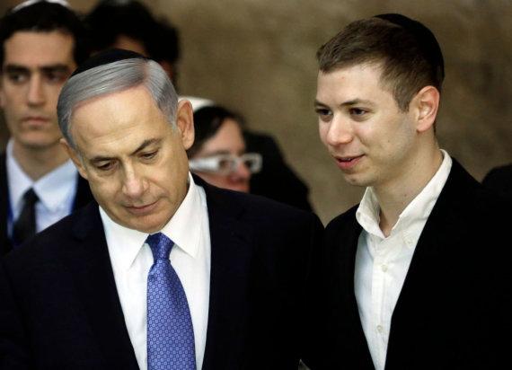 "AFP/""Scanpix"" nuotr./Benjaminas Netanyahu ir Yairas Netanyahu"