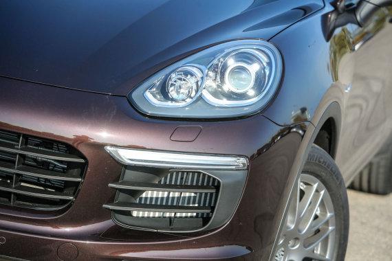 "Juliaus Kalinsko/15min.lt nuotr./Atnaujintas ""Porsche Cayenne"""