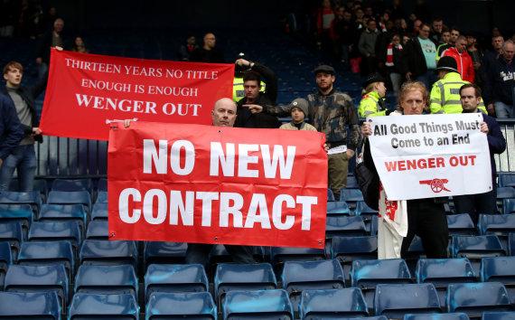 """""""Scanpix""""/""""PA Wire""""/""""Press Association Images"""" nuotr./Sirgalių protestai prieš Arsene'ą Wengerą"""
