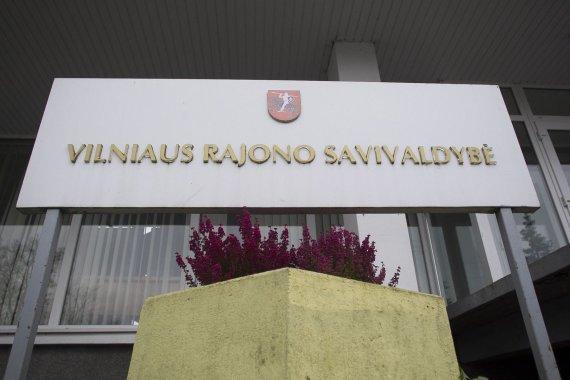 Irmanto Gelūno / 15min nuotr./Piketas prie Vilniaus rajono savivaldybės