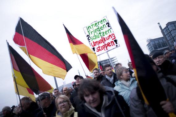 """""""Scanpix""""/""""SIPA"""" nuotr./AfD šalininkų protestas prieš migraciją"""