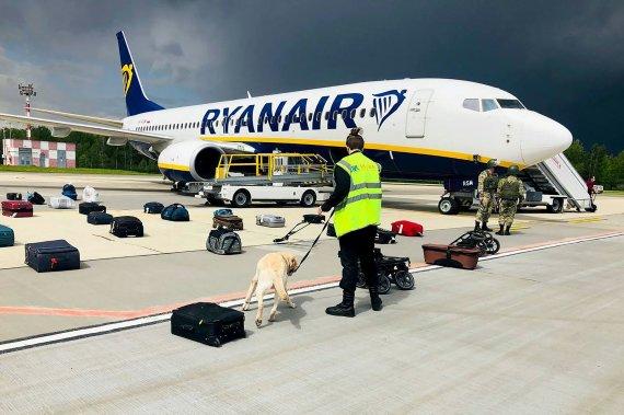 "AFP/""Scanpix"" nuotr./Minske nutupdytas ""Ryanair"" lėktuvas"