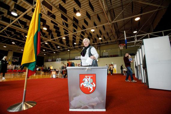 Eriko Ovčarenko / 15min nuotr./Balsavimo apylinkėje