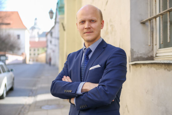 "Svajūno Stroino nuotr./Matas Buzelis, transporto skelbimų portalo ""Autoplius.lt"" komunikacijos vadovas"