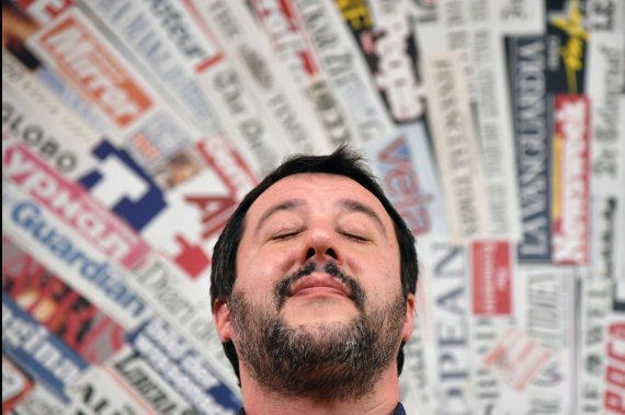 "AFP/""Scanpix"" nuotr./Matteo Salvini ""Foreign Press"" būstinėje"
