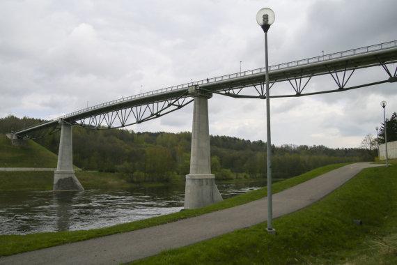 Mato Miežonio/15min nuotr./Alytaus Baltosios rožės tiltas