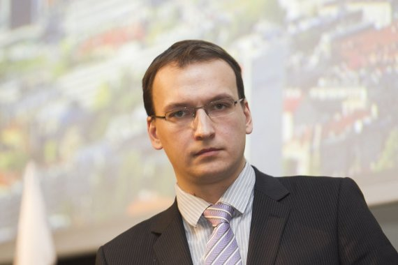 """Irmanto Gelūno / 15min nuotr./""""Euromonitor International"""" miestų analitikas Kasparas Adomaitis"""