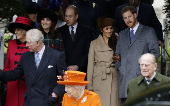 """""""Scanpix""""/AP nuotr./Karališkoji šeima renkasi į kalėdines mišias Sandringame"""