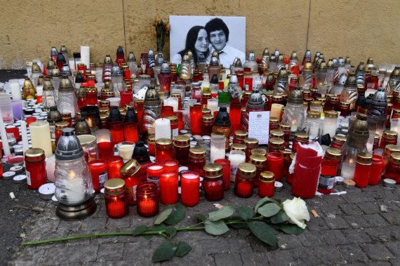 """""""Reuters""""/""""Scanpix"""" nuotr./Pagerbiamas nužudytas slovakų žurnalistas Janas Kuciakas ir jo sužadėtinė"""