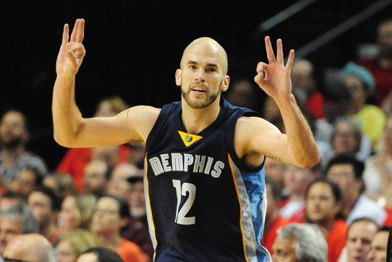 """AFP/""""Scanpix"""" nuotr./Nickas Calathesas yra ragavęs NBA duonos"""