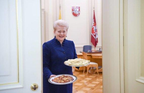 Nuotraukos iš Dalios Grybauskaitės feisbuko paskyros/Apie D.Grybauskaitės asmeninį gyvenimą žinoma gana nedaug. Iš esmės tik tiek, kiek apie save nori papasakoti ji pati.