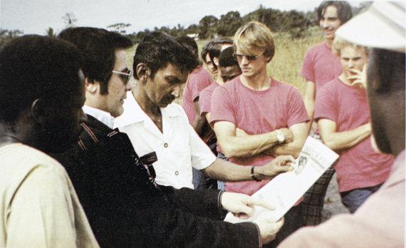 """""""Scanpix""""/ """"Sputnik"""" nuotr./Jimas Jonesas (antras iš kairės) įkūrė """"Liaudies šventyklos"""" miestelį Džonstauną"""