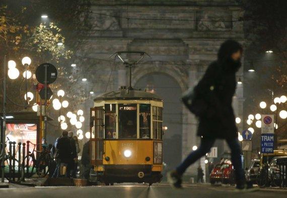 """""""Scanpix""""/AP nuotr./Milano gatvėmis rieda beveik 90 metų senumo tramvajai"""