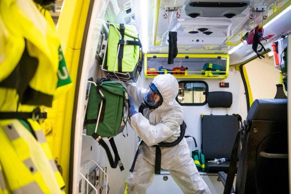 """AFP/""""Scanpix"""" nuotr./Gyvenimas Švedijoje praėjus pustrečio pandemijos mėnesio"""