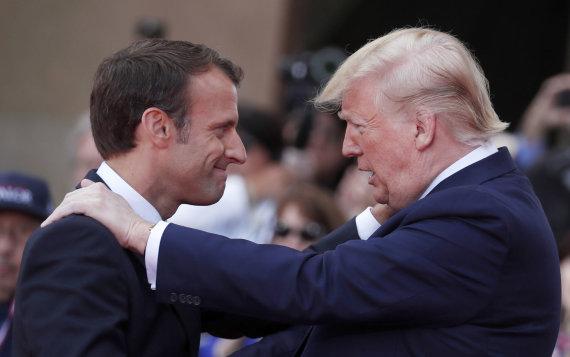 """""""Scanpix""""/AP nuotr./Emmanuelis Macronas ir Donaldas Trumpas"""