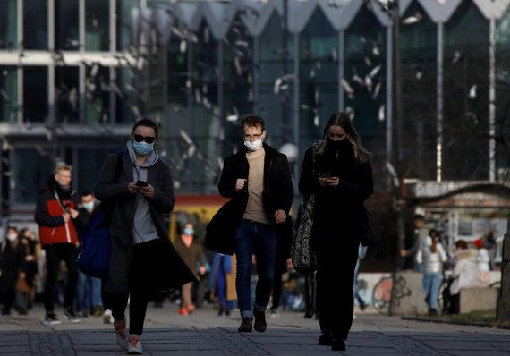 """""""Reuters""""/""""Scanpix"""" nuotr./Varšuva per pandemiją"""