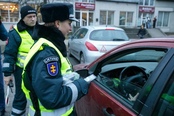 Eriko Ovčarenko/15min.lt nuotr./Policijos reidas Kaune