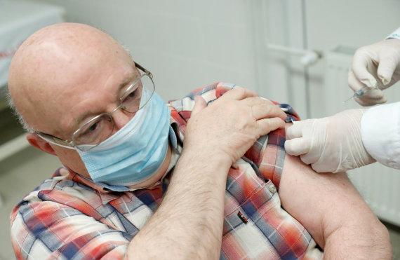 """""""Reuters""""/""""Scanpix"""" nuotr./Vengras skiepijamas kiniška vakcina """"Sinopharm"""""""