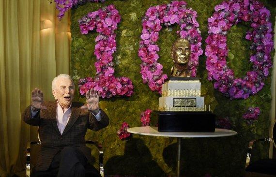 """Scanpix""/AP nuotr./Kirko Douglaso gimtadienio vakarėlis"