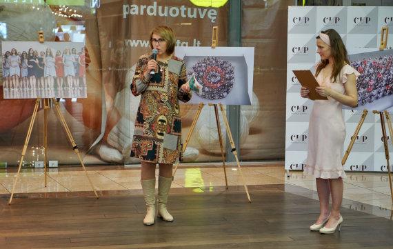 Gintaro Globio nuotr./100 nėštukių parodos atidarymas: atėjo mamos su šimtmečio kūdikiais