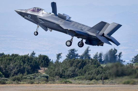 """Scanpix""/""PA Wire""/""Press Association Images"" nuotr./Naikintuvas F-35"