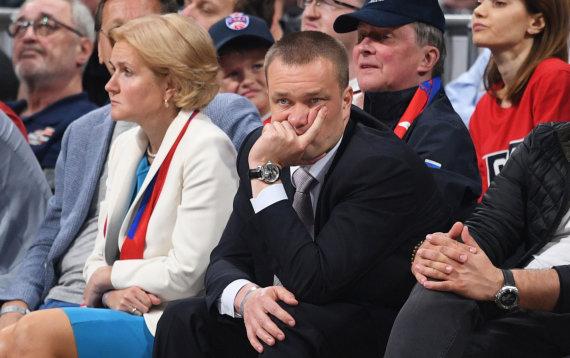 """""""Scanpix"""" nuotr./CSKA prezidentas Andrejus Vatutinas, o už jo – Sergejus Ivanovas."""