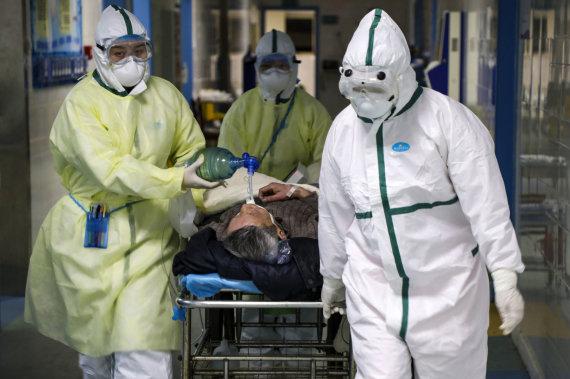 """Scanpix""/AP nuotr./Koronaviruso epidemija plinta toliau."