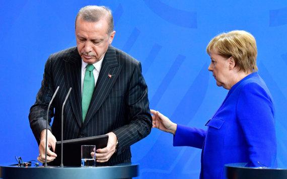 "AFP/""Scanpix"" nuotr./Recepas Tayyipas Erdoganas ir Angela Merkel"