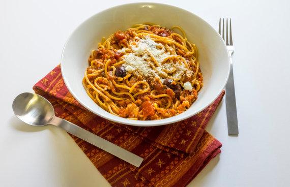 Vida Press nuotr./Spagečiai su pomidorų-tuno padažu