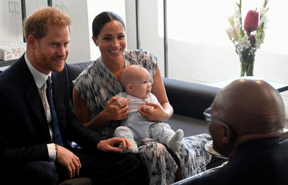 """""""Reuters""""/""""Scanpix"""" nuotr./Sasekso hercogų sūnaus Archie debiutas Afrikoje"""