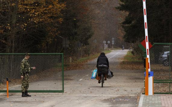 """""""Reuters""""/""""Scanpix"""" nuotr./Latvijos pasienis su Baltarusija"""