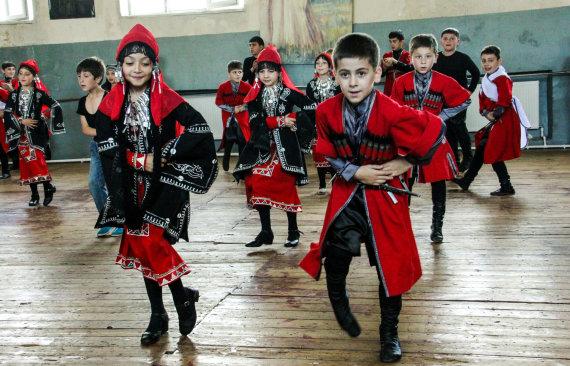 Karolinos Stažytės nuotr./Antroji vidurinė mokykla Gruzijos Zestafonio mieste