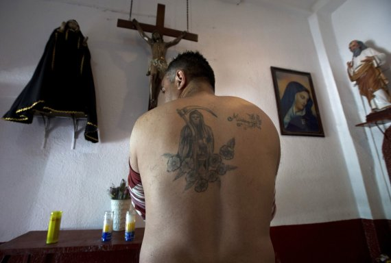 """""""Scanpix""""/AP nuotr./Šventąją Mirtį garbinantys tikintieji Meksikoje"""