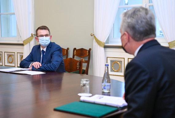 LR Prezidento kanceliarijos/R.Dačkaus nuotr./Prezidentas susitinko su kandidatu į sveikatos apsaugos ministrus Arūnu Dulkiu