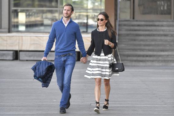 Vida Press nuotr./Pippa Middleton ir Jamesas Matthewsas