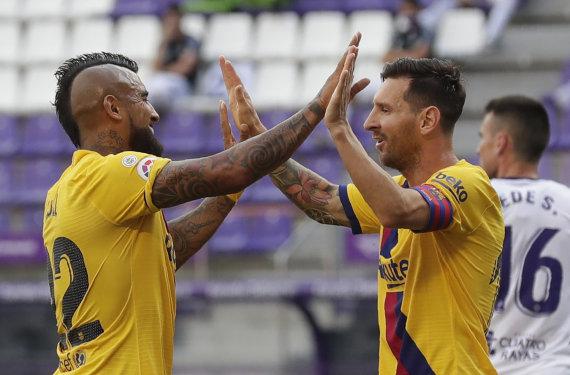 """Scanpix"" nuotr./Arturo Vidalis ir Lionelis Messi"