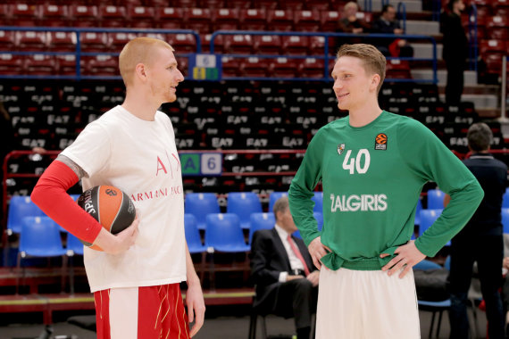 Getty Images/Euroleague.net nuotr./Aaronas White'as ir Marius Grigonis