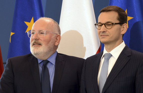 """Scanpix""/AP nuotr./Fransas Timmermansas ir Mateuszas Morawieckis"