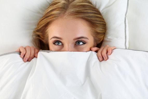 Fotolia nuotr./Moteris po antklode
