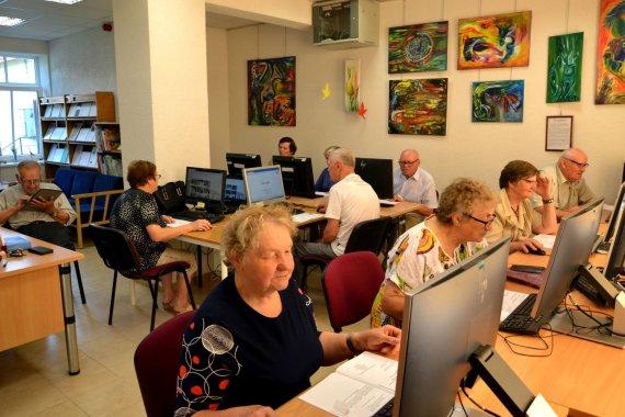 Bibliotekos archyvas/Pagėgių savivaldybės Vydūno viešosios bibliotekos Stoniškių filiale suaugusiųjų skaitmeninio raštingumo mokymai pažengusiems.