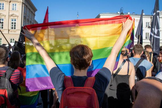 ZUMAPRESS.com/Varšuvoje įvyko konkuruojantys mitingai dėl LGBT teisių
