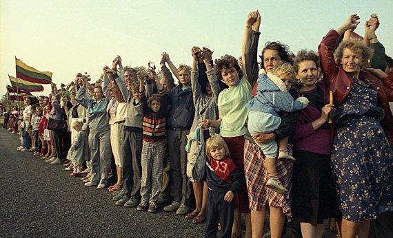 Zino Kazėno nuotr./1989 m. rugpjūčio 23 d. – Baltijos kelias, Saločiai