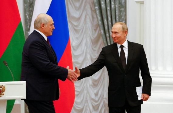 """""""Reuters""""/""""Scanpix"""" nuotr./A.Lukašenka ir V.Putinas"""